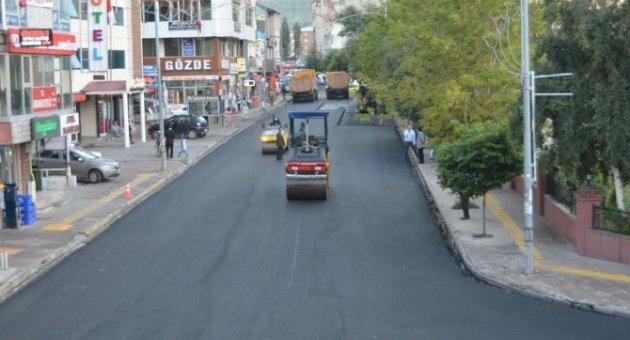 Ardahan Belediyesi sıcak asfalt çalışmasına başladı