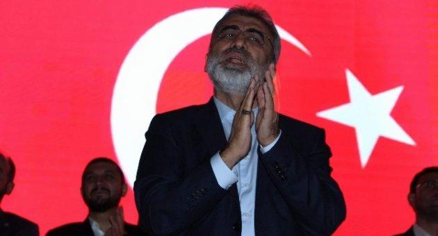 """Enerji ve Tabi Kaynaklar Eski Bakanı Yıldız: """"15 Temmuz gençlerimizin tankların karşısında durduğu gündür"""""""