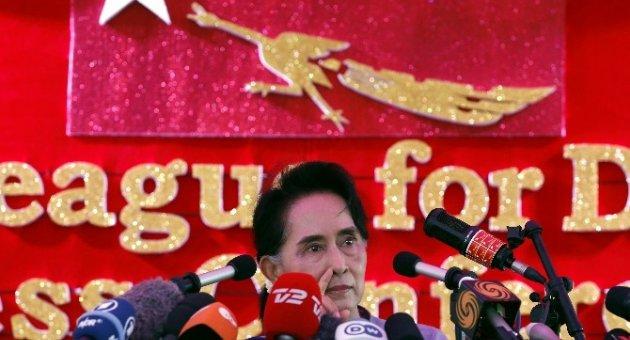 Nobel Barış Ödüllü Suu Kyi Myanmar'da Seçimlerin Galibi Oldu