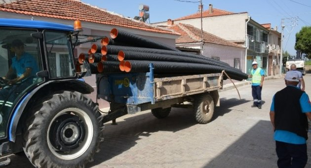 Saruhanlı'daki Altyapı Çalışmaları Sürüyor