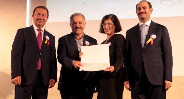 Ulaştırma, Denizcilik ve Haberleşme Bakanı Arslan PTT'nin 176'ıncı kuruluş yıl dönümü etkinliğine katıldı